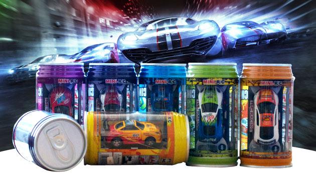 Fotka zľavy: Mini RC autíčko v plechovke len za 10,90€ vrátane kužeľov. Model s funkčnými svetlami jazdiaci dopredu, dozadu, vpravo a vľavo, nabíjanie cez napájací kábel diaľkového ovládača.