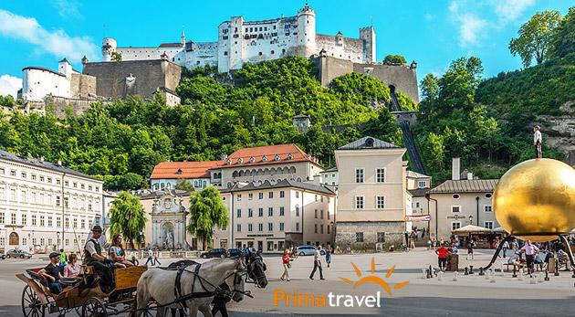 """Fotka zľavy: Dvojdňový zájazd do Salzburgu len za 99€. Spoznáte čarovné mestečká, úchvatnú prírodu počas plavby po jazere Wolfgangsee a dozviete sa, prečo Hallstatt nazývajú """"smrteľne krásnou dedinkou""""!"""