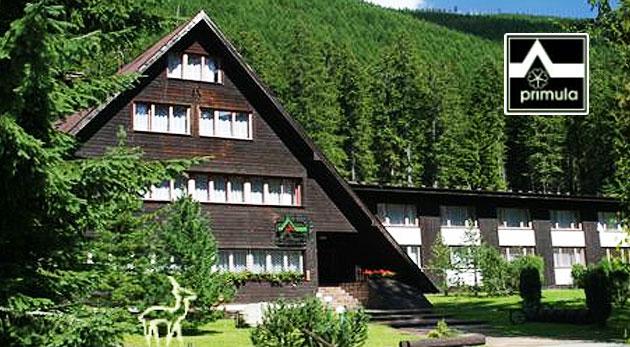 Fotka zľavy: Malebná príroda Západných Tatier pre dvoch na 3 dni v Hoteli Primula od 38€. Uvítací drink, biliard, stolný tenis, polpenzia a veľa tipov na turistiku na Roháčoch. Deti do 6 rokov ubytovanie zadarmo.