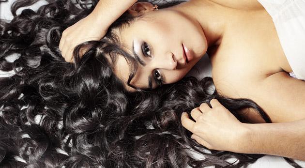 Fotka zľavy: Keratínová infúzia pre oslabené vlasy alebo luxusný kadernícky balíček s farbením, strihom, masážou a hĺbkovou regeneráciou v kaderníctve Hair Salon M+P už od 8,40€! A vašim vlasom nik neodolá!
