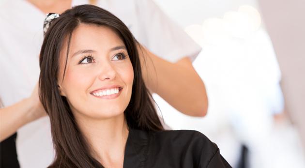 Fotka zľavy: Úprava strihu alebo strihanie s regeneračnou kúrou a konečným stylingom už od 9,90€. Doprajte vašim vlasom potrebnú starostlivosť pre skutočne očarujúci vzhľad!
