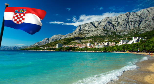 Fotka zľavy: Zažite super leto na Makarskej riviére v hoteli Vila Lidus*** len 80 m od pláže s all inclusive light už od 210 €! 8 dní na krásnej pláži so slnkom a šumením mora!