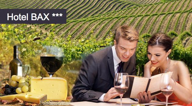 Fotka zľavy: Poďte prežiť trošku romantiky na čarovnú južnú Moravu do Hotela Bax*** len za 79 € pre dvoch. V cene aj polpenzia, fľaša vína, welcome drink a všetky pamiatky na dosah!