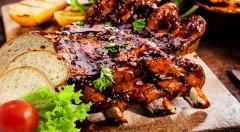 Zľava 57%: Poctivé grilované rebrá a krídla s chlebom za bezkonkurenčnú cenu 3,90 € pre všetkých milovníkov šťavnatého mäska, ktoré zasýti. Tešia sa na vás v Dúbravskej pivárni!