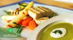 Zľava 40%: Zdravé obedové menu v reštaurácii Varuna v Bratislave pripravené bez 4 bielych jedov len za 3,30 €. Žiadne kravské mlieko, biely cukor, biela múka ani upravená kuchynská soľ pre vašu minimálnu záťaž!