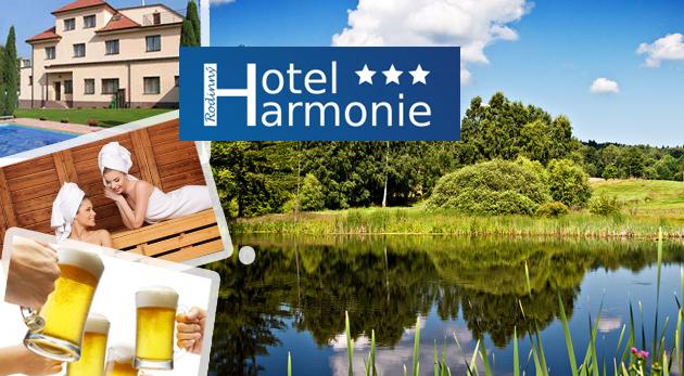 Fotka zľavy: Neobmedzená konzumácia výborného piva, dokonalý relax v saune, bazéne alebo pri masáži, šport aj chutná polpenzia - pobyt v Hoteli Harmonie*** v malebnej Českej Vysočine len za 79 € na 3 dni pre dvoch