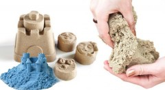 Zľava 50%: Postavte si vlastný hrad aspoň z magického piesku - veľká či malá sada, ktorá rozvíja tvorivosť aj priestorové myslenie už od 8,50 €. Super hračka pre malých i veľkých modelárov!