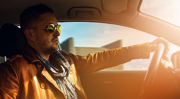 Fotka zľavy: Majte vaše vozidlo pod kontrolou i v prípade zníženej viditeľnosti s polarizačnými okuliarmi s kvalitnými sklami len za 3,99€, ktoré znižujú odrazy a zlepšujú videnie za šera či hmly.