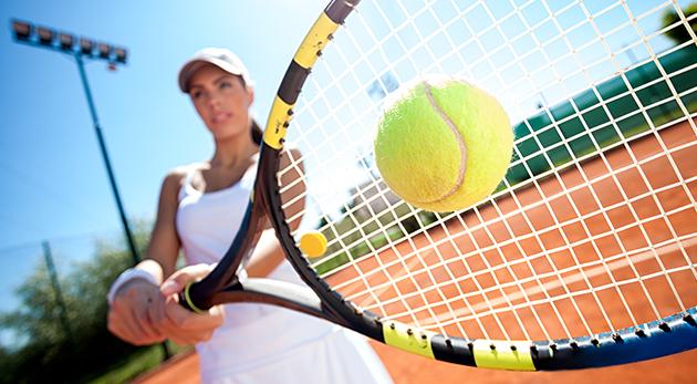 Fotka zľavy: Dostaňte svoje telo do formy vďaka tenisu - prenájom tenisového kurtu v Petržalke už od 3,50 € na 1, 5 alebo 10 hodín. Na výber i variant s hrou s profesionálnym trénerom!
