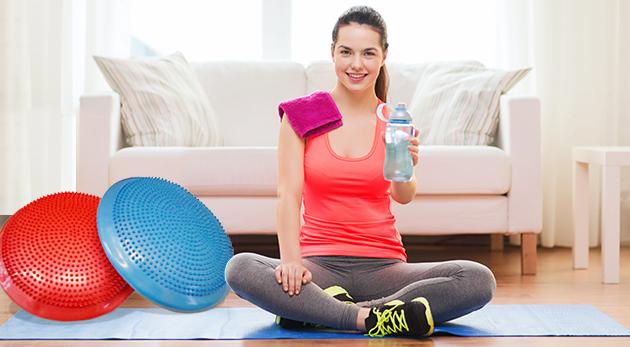 Fotka zľavy: Posilnite svoje sedacie a chrbtové svalstvo a podporte správne držanie tela vďaka skvelej pomôcke - masážno-balančnému disku iba za 6,90 € spolu s ihlou na nafukovanie.