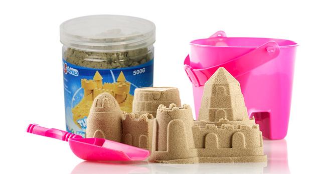 """Fotka zľavy: Nevysychajúci tekutý piesok pre vaše deti len za 6,99 € - darujte im """"pieskovisko"""", na ktorom sa môžu bez problémov hrať i doma!"""
