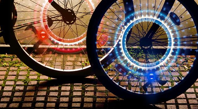 Fotka zľavy: LED svetlá na kolesá bicykla alebo motorky - 2 kusy v balení len za 3,99 €. Originálny doplnok, ktorý zvýši vašu viditeľnosť a bezpečie!