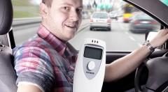 Zľava 78%: Prenosný LCD alkoholtester len za 3,99 €. Rýchle, jednoduché a presné otestovanie alkoholu v krvi. Jazdite bezpečne a s istotou!